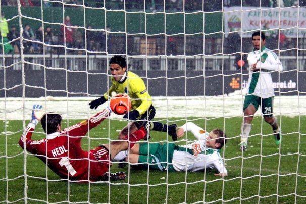 2010–11_UEFA_Europa_League_-_SK_Rapid_Wien_vs_F.C._Porto_(04)